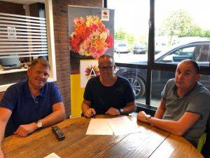 Seth Karstens met WP van den Berg en Dick Kooij